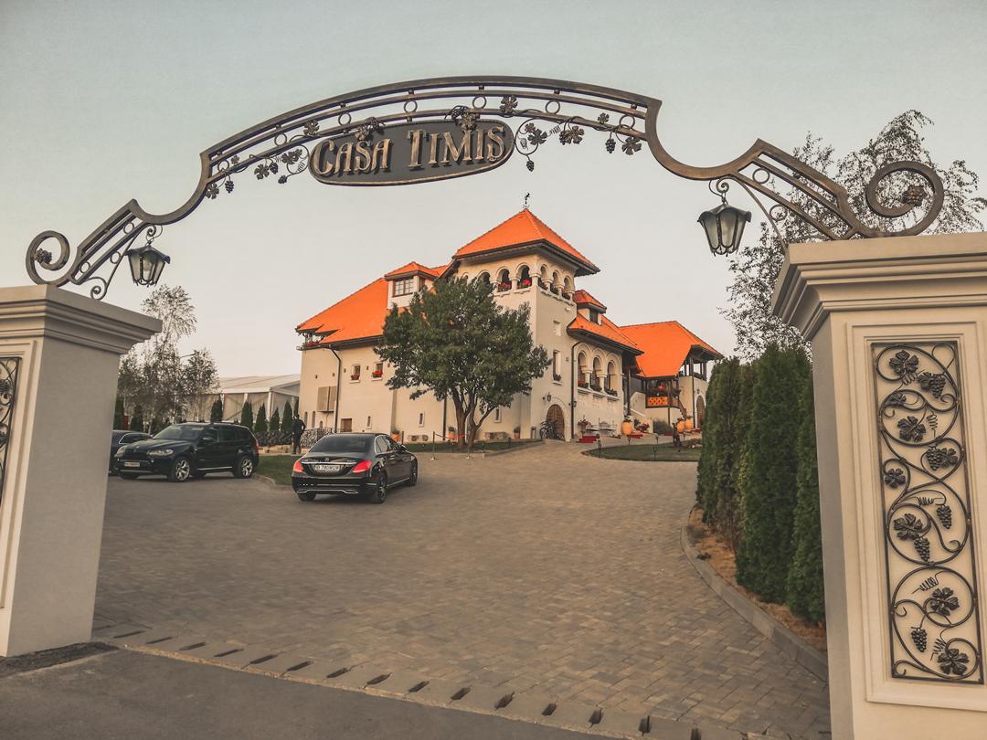 Casa Timiș: aer interbelic la 80 km de București