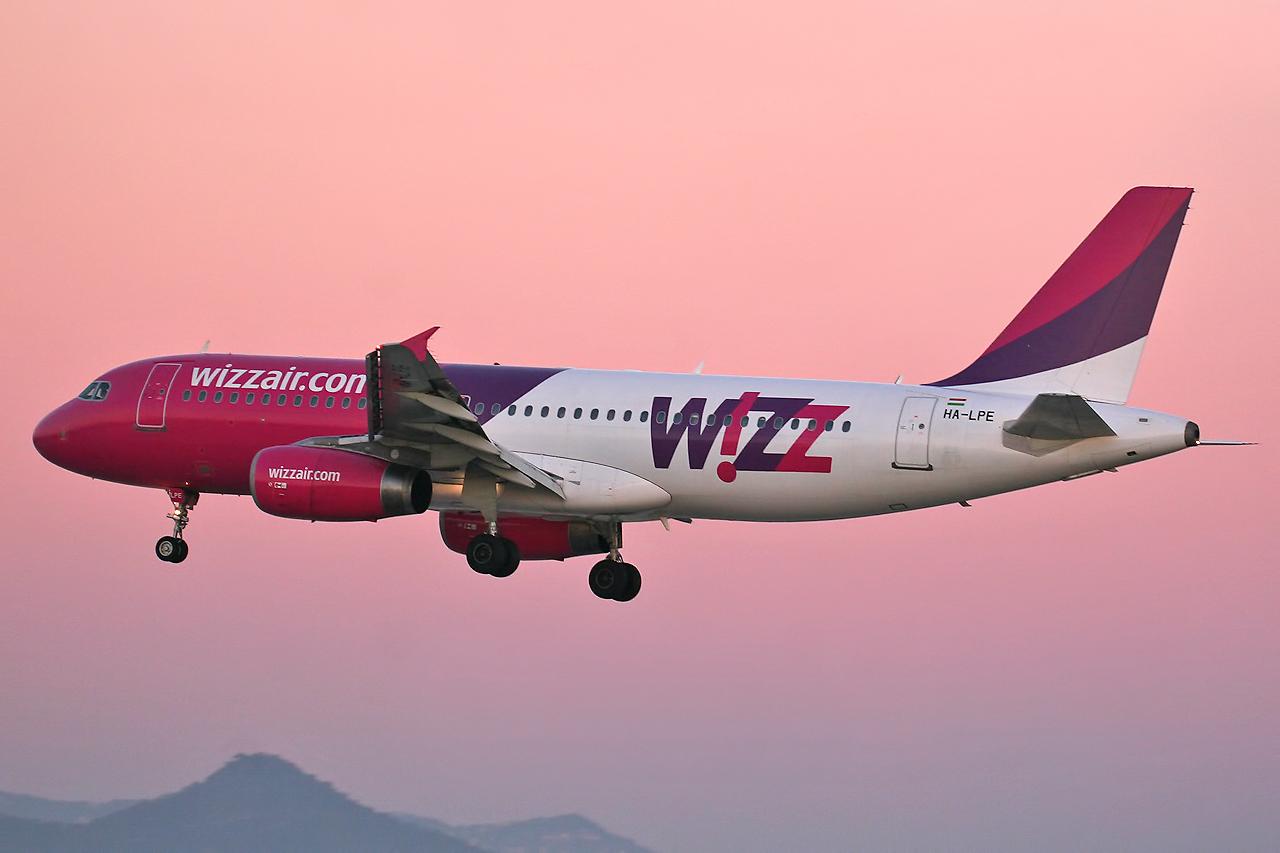 Wizzair lansează rute noi spre Praga (de la 41 euro) și Sevilia (de la 128 euro)!