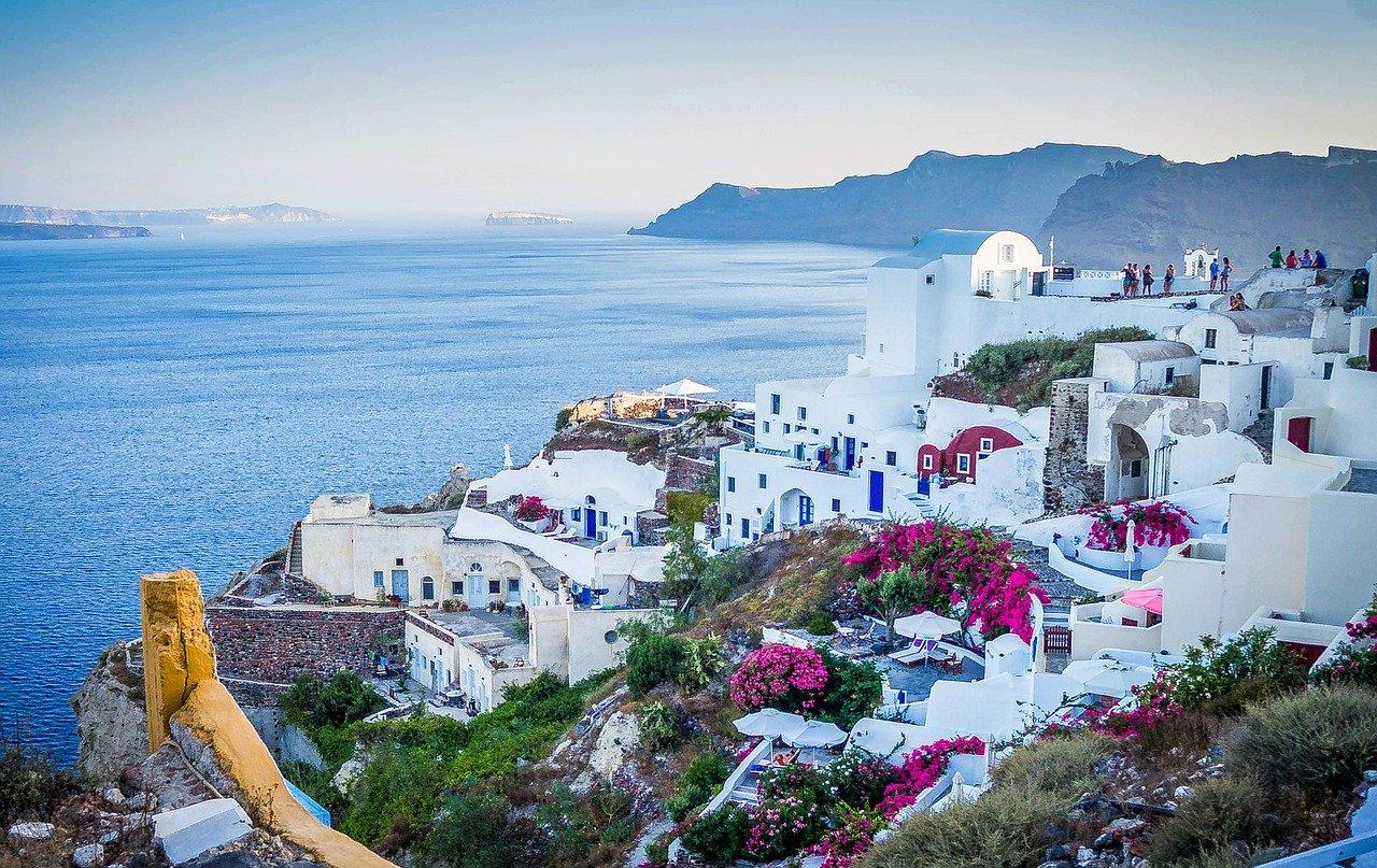 Grecia intră în carantină națională